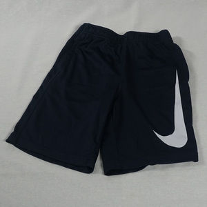 Boy big Swoosh dri fit Nike shorts EUC size 7